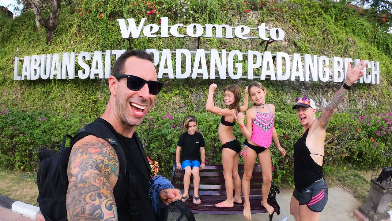 bali beaches- Padang Padang